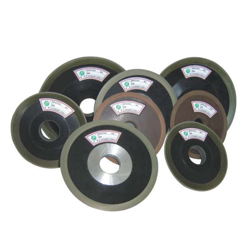 Diamond/CBN wheels with Bakelite core